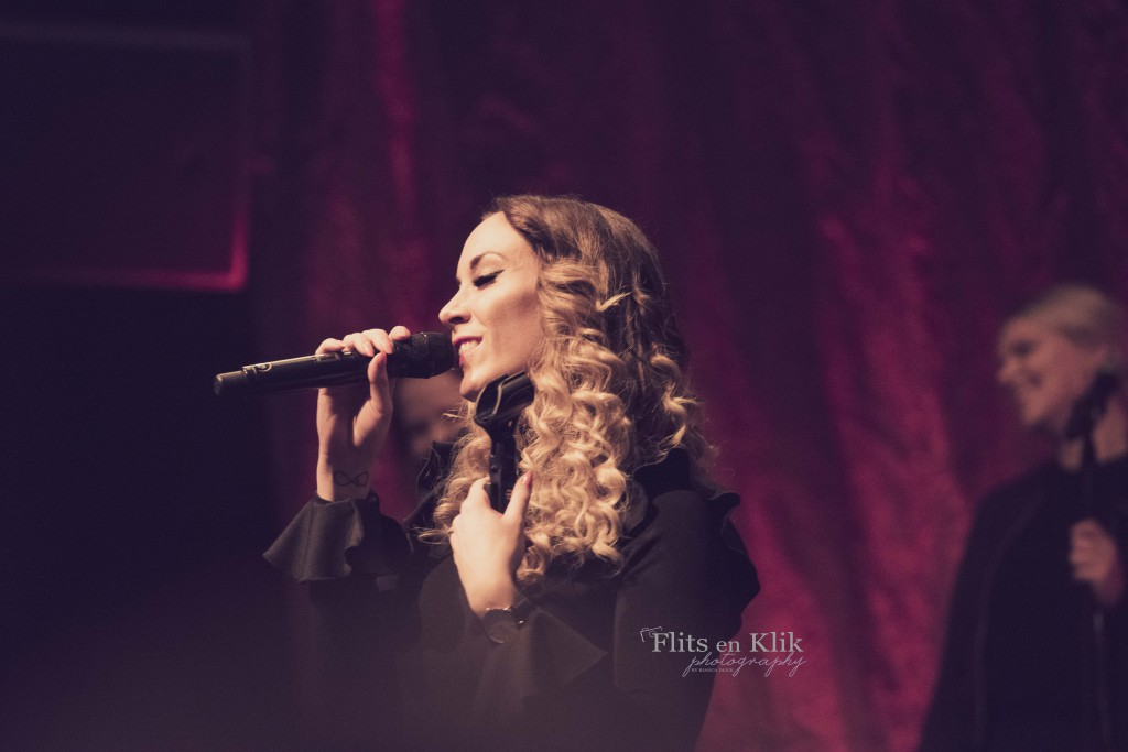 Lisa-Lois-Sings-Adeletour-Bianca-Dijck-1 1